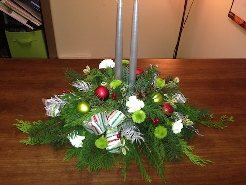 Make Your Own Christmas Centerpiece