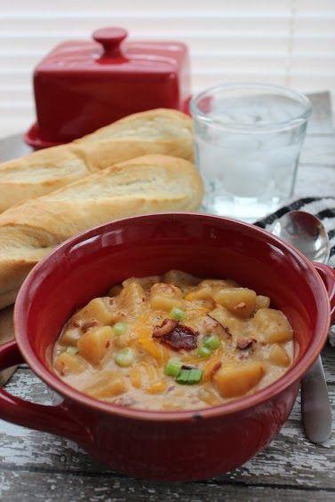 Slow Cooker Potato and Bacon Soup