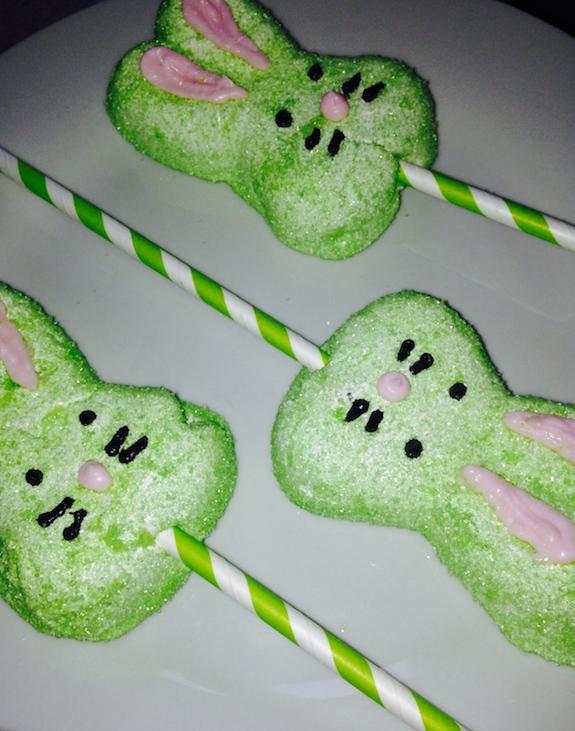 Fun Marshmallow Bunny Pops