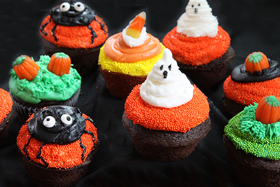 Fun Halloween cupcakes, ghosts, spider, pumpkin patch & more