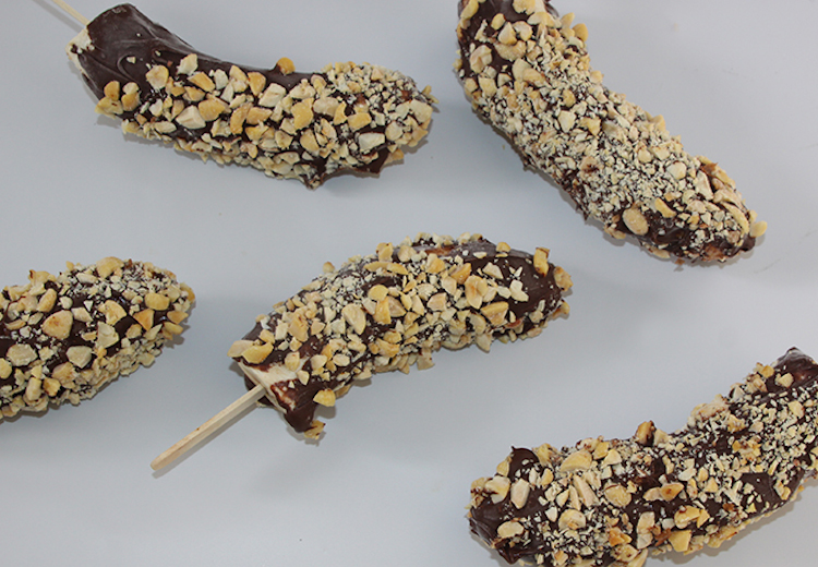 Make Frozen Chocolate Bananas at home