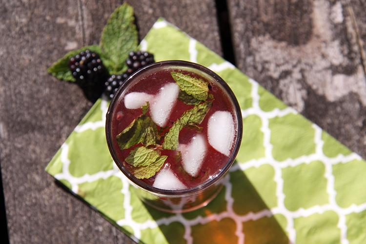 Blackberry-Mint Iced Green Tea