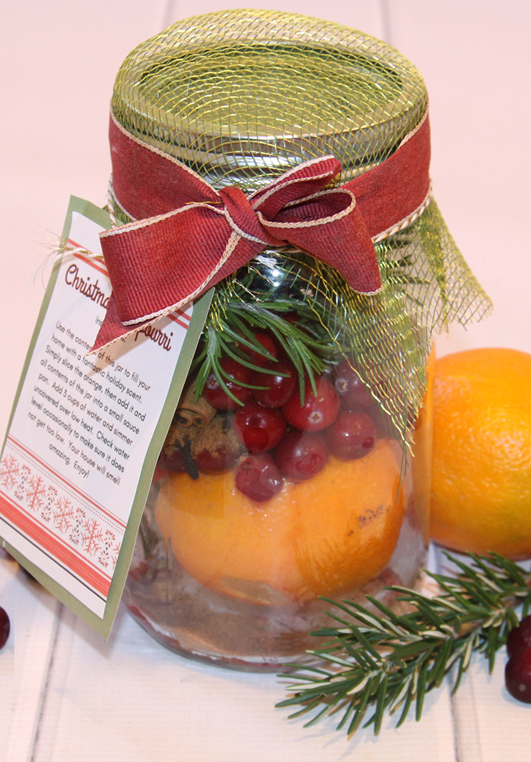 Christmas Potpourri in a jar gift with FREE printable