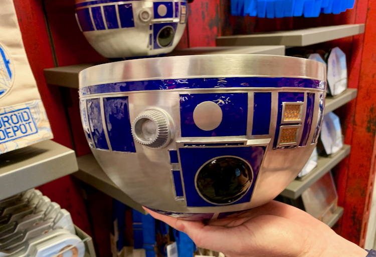 a bowl that looks like r2d2