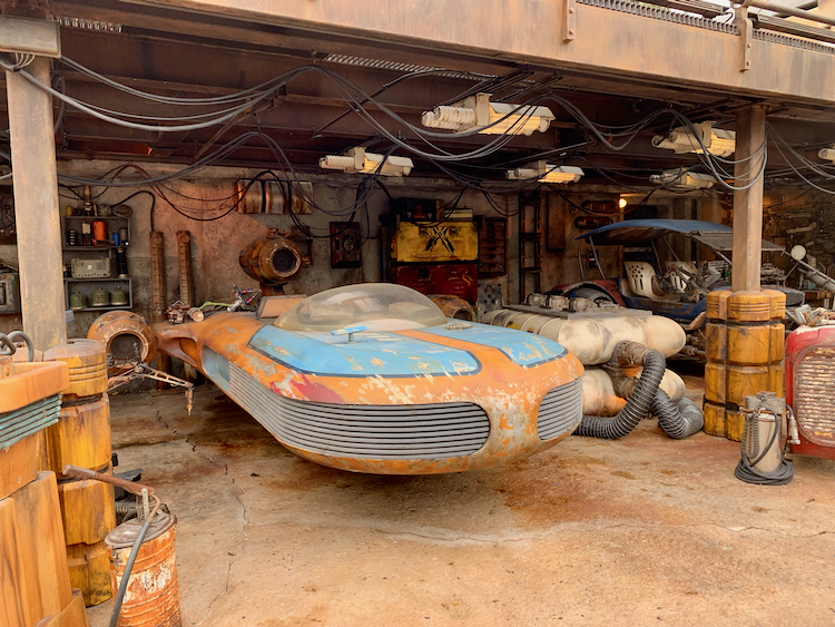 a land speeder at star wars galaxy's edge